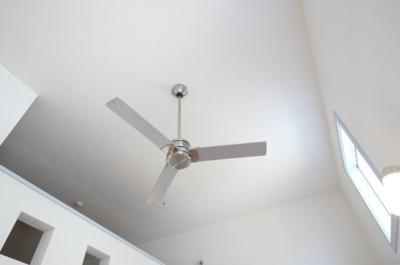 シーリングファンがおしゃれで空調効率がGOOD