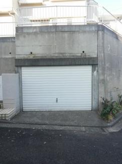 台風の日でも安心なビルトイン車庫です。