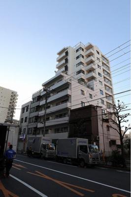 東京メトロ日比谷線「入谷」駅より徒歩約5分にあります。