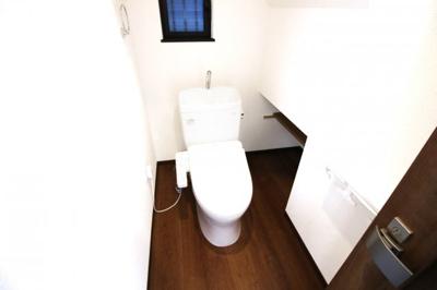 ウォシュレット付トイレでいつも清潔に保てます。衛生面が気になられる方でもご安心下さい。