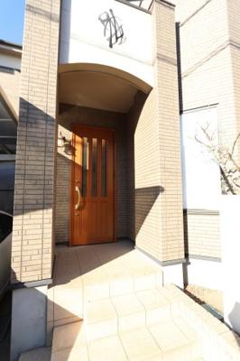 きれいな玄関です 三郷新築ナビで検索