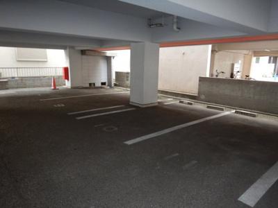 美和 美和ハイツ 1R 駐車場