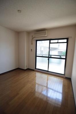 洋室7帖 寝室