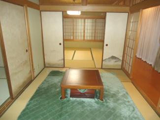 掘りごたつのある和室