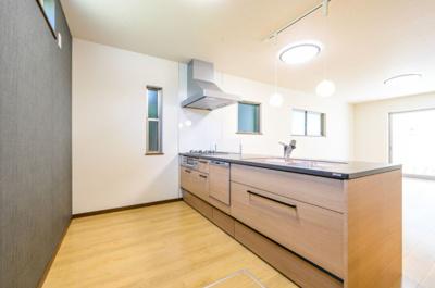 【キッチン】中区蜆塚一丁目 新築物件 HP