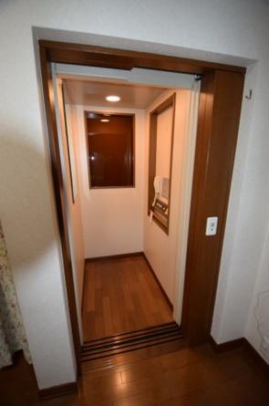 ホームエレベーターあり。