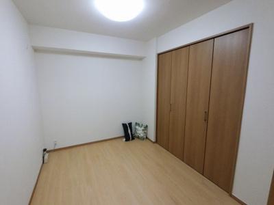 4.0の洋室です。 子供部屋やワークスペースとしても活用できます。
