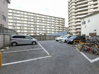 平置駐車場です。