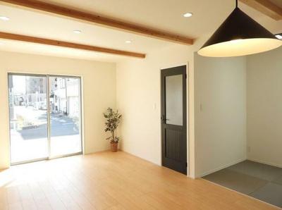 【居間・リビング】中区曳馬4丁目 新築物件 TOYO