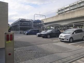 敷地内駐車場です