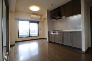 ライオンズマンション西千葉第二 続き戸で洋室・和室がございます!
