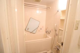 ライオンズマンション西千葉第二 アクセントタイルのあるお風呂です!