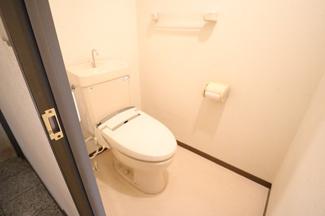 ライオンズマンション西千葉第二 清潔感のあるトイレです!