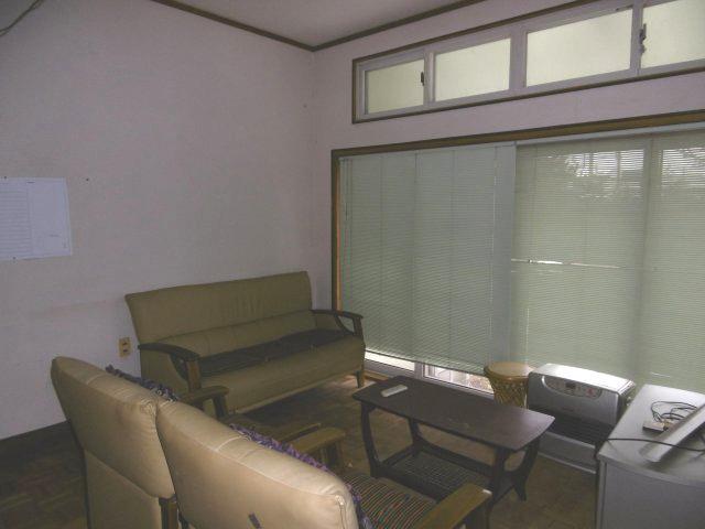 【洋室】黒石市駅近中古住宅