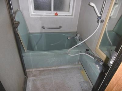【浴室】黒石市駅近中古住宅