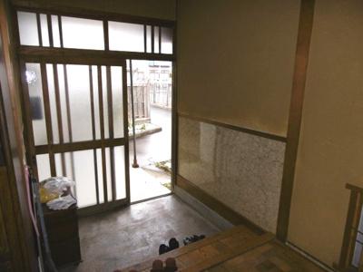 【玄関】黒石市駅近中古住宅