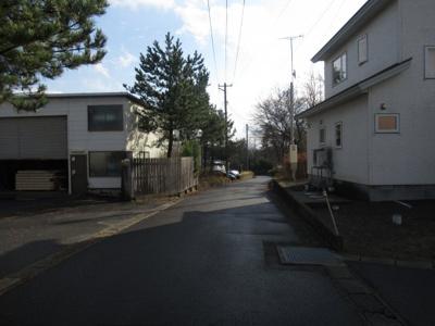 【前面道路含む現地写真】能代市浅内字中山・売地
