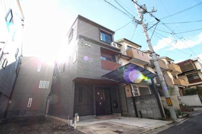 JR『西大路駅』・近鉄『東寺駅』徒歩14分!京都駅にもアクセス可能です。駐車は2台可能(普通車+軽自動車)イオン洛南・イオン京都が車で約5分以内にあり便利!