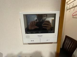 大きな画面のついた便利なインターフォンです。