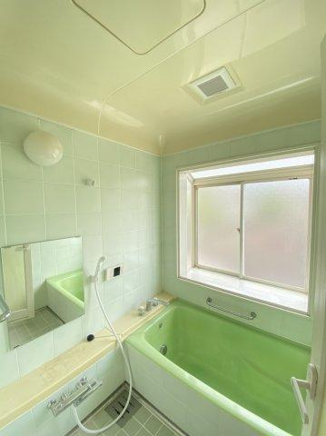 【風呂】ゆったり過ごせるお風呂です