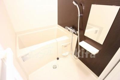 【浴室】ラグゼ新大阪北