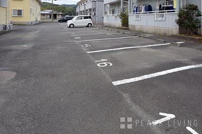 【駐車場】ファミーユⅠ