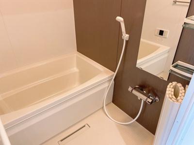 コンパクトで使いやすいお風呂です 【COCO SMILE ココスマイル】 ※同型タイプ