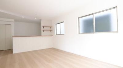 ゆったりとした居間です 三郷新築ナビで検索