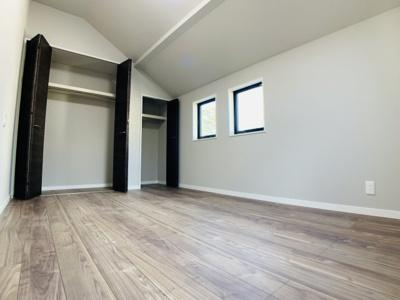 リビング横に7帖の洋室を併設しました。お子様のお部屋としても十分な広さです。