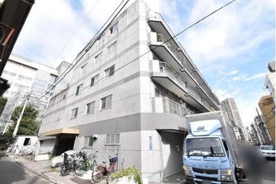 東京メトロ南北線、都営大江戸線「麻布十番」駅徒歩約5分。