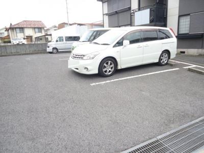 【駐車場】エレガンス幕山台 B