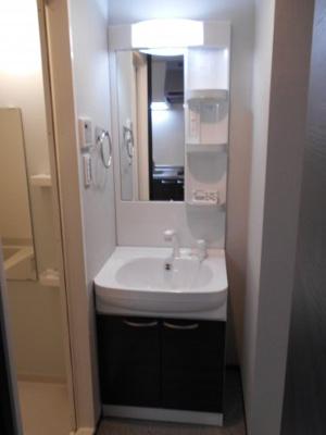 シャワー付き独立洗面台