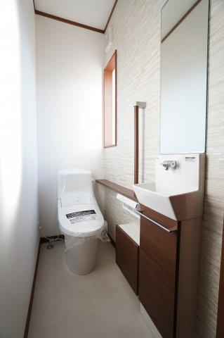 手洗いカウンター付きです。その場ですぐに手を洗うことができるのがいいですね。