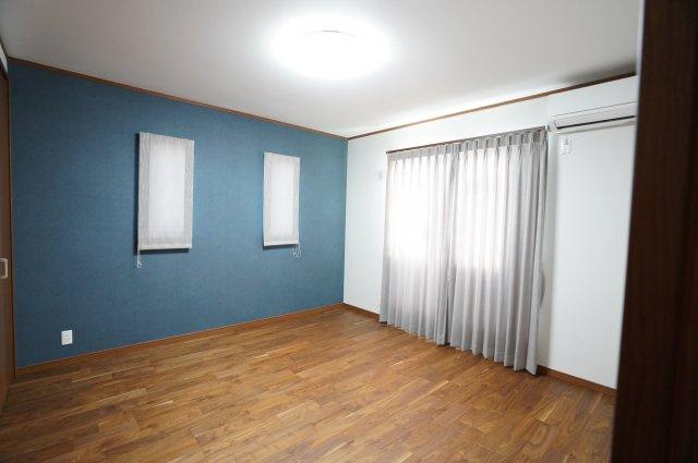 8帖 アクセントクロスでおしゃれなお部屋です。