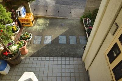 【エントランス】新谷アパート