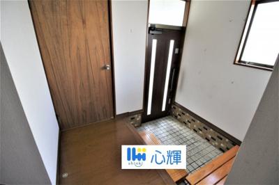 家の顔となる玄関。 ゲストを迎え入れても安心の空間です。