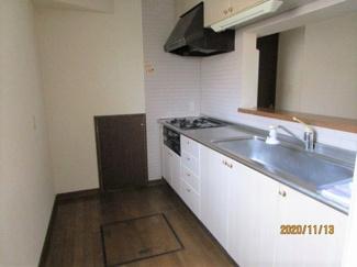 【キッチン】日の出3丁目貸家