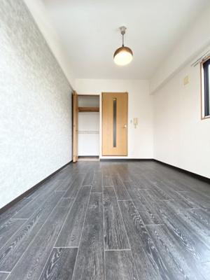 【洋室】メゾンサンワ西長堀