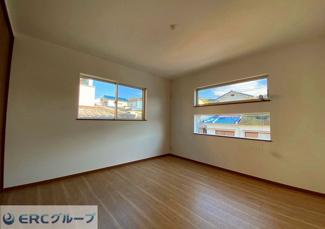 【同社施工例】 窓も多く日当たり良好です。