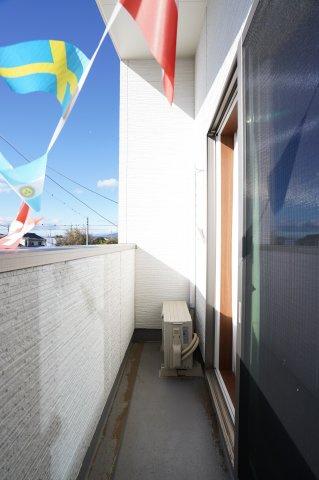 一日を通して陽当たりがよいため、お部屋が明るいです。本日、建物内覧できます。住ムパルまでお電話下さい!