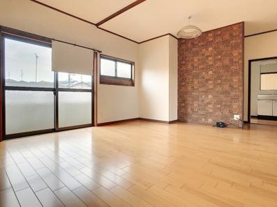 【居間・リビング】山村アパート