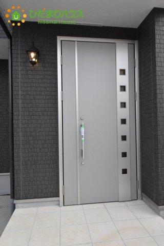 【玄関】西区土屋 4期 新築一戸建て ハートフルタウン E