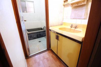 理想のお部屋にリフォームしたい、とにかく安く綺麗にしたい、リフォーム費用を住宅ローンで借りたい等、お客様のご要望に合わせたご提案をさせていただきます\(^_^)/