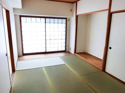 【現地写真】 暮らしの安らぎは深まります。ゆっくりくつろげる、客間としても利用できる和室もございます♪