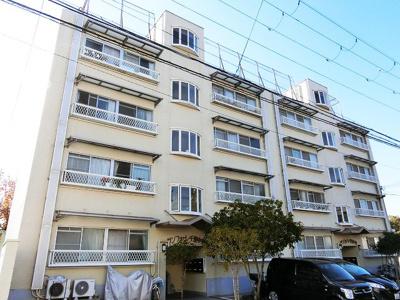 【現地写真】鉄筋コンクリート造4階建て♪ 総戸数16戸♪