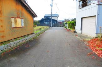 【前面道路含む現地写真】新潟市秋葉区鎌倉 売地