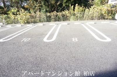 【駐車場】カーザ・ビアンカ