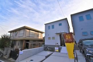 カースペースは2台駐車可能! 閑静な住宅街で、子育て環境良好です!