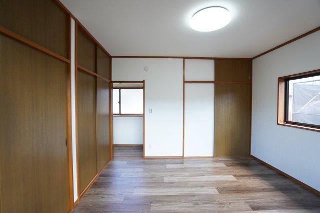 2階8帖 使い勝手のよいシンプルな洋室です。