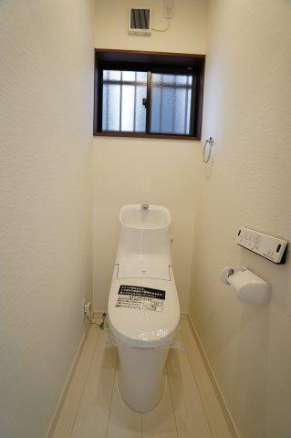 1階 温水洗浄機能付き